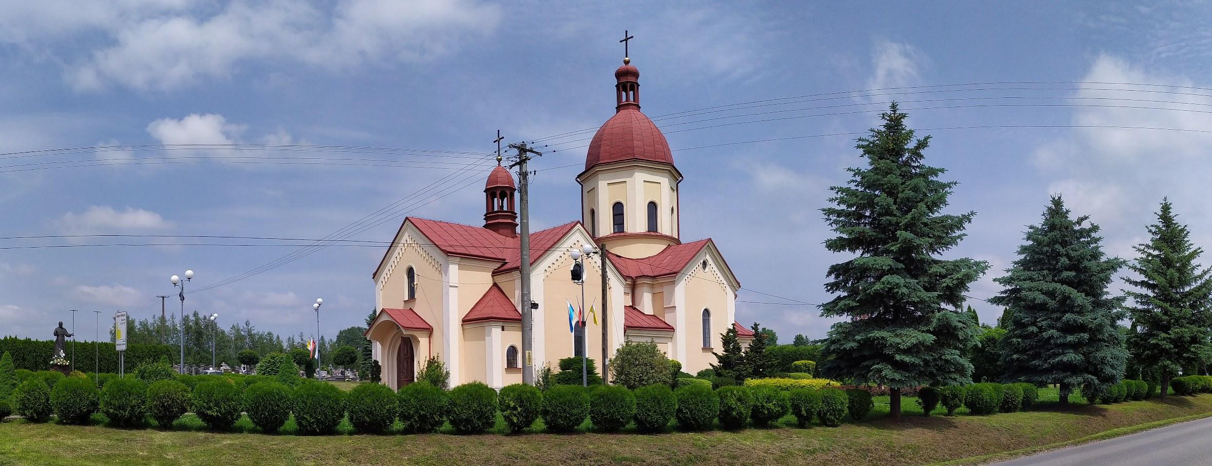 Kościół parafialny i otoczenie